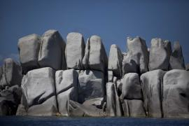 Chaos granitique aux îles Lavezzi, RNC des Bouches de Bonifacio - © M. Cristofani / Coeurs de nature / SIPA