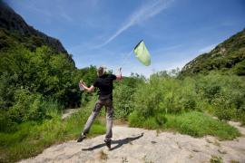 Prospection lors d'un suivi papillons, RN des gorges du Gardon - © M. Cristofani / Coeurs de Nature / SIPA
