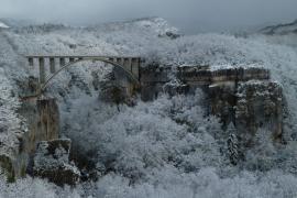 Le pont des Pierres et la gorge de la Valserine - © R. Letscher