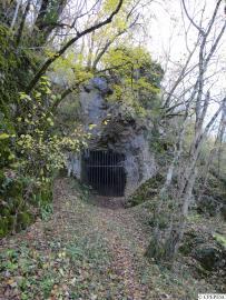 Entrée de la Grotte de la Baume - © CPEPESC